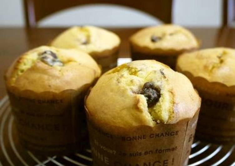 Steps to Make Any-night-of-the-week Red Bean Paste Muffins with Pancake Mix