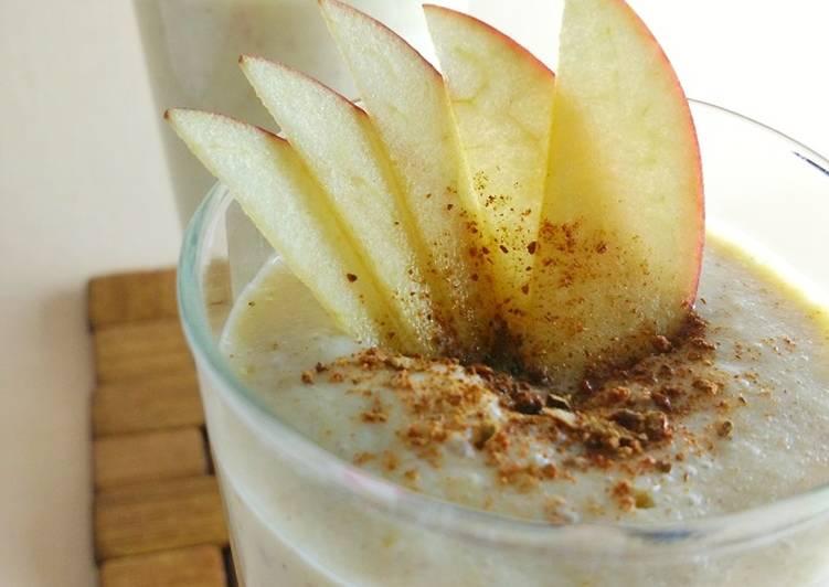 5 Minute Recipe of Quick Apple Pie Smoothie