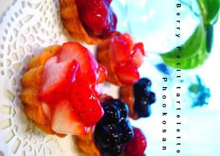Triple Berry Mini Cheesecake Tarts