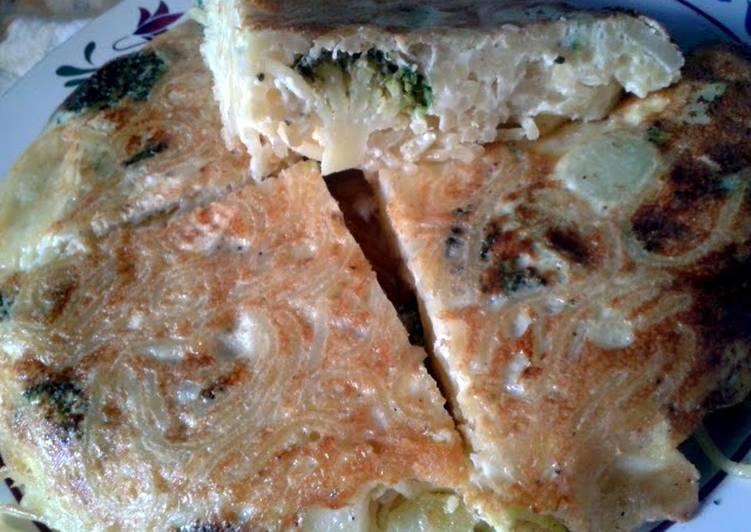 Recipe of Favorite Spaghetti, Brie & Broccoli Frittata
