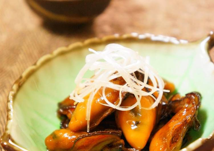 Flavorful Oysters Simmered in Soy Sauce