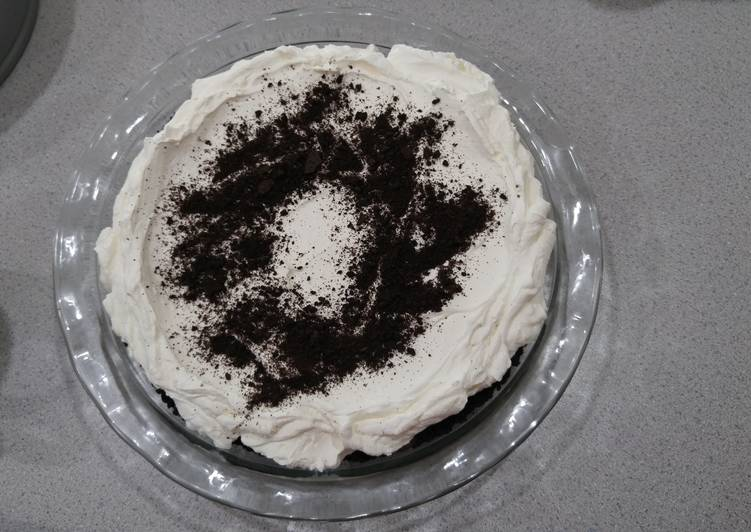 Old Fashion Chocolate Cream Pie!