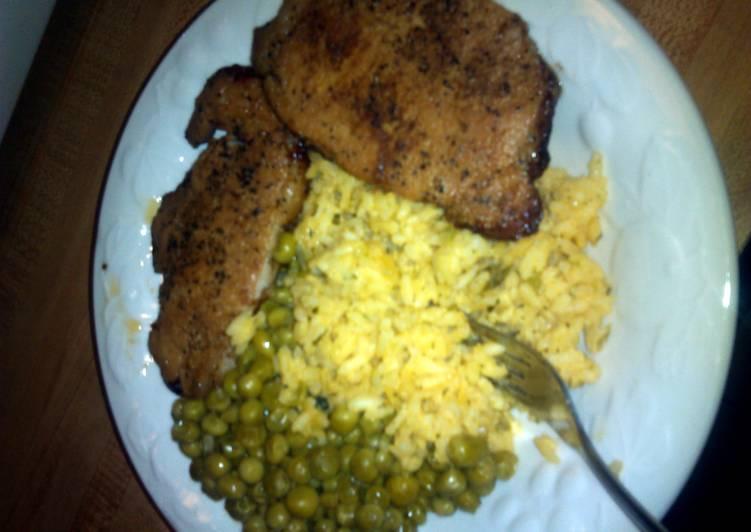 Baked Pork loin with broccoli rice au gratin