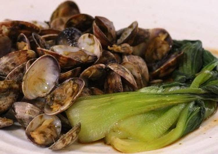 Simple Way to Make Perfect Sake Steamed Manila Clams and Bok Choy - Nori Flavored -