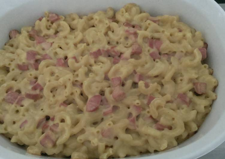 Recipe of Favorite Macaroni and Cheese with Hot Dogs