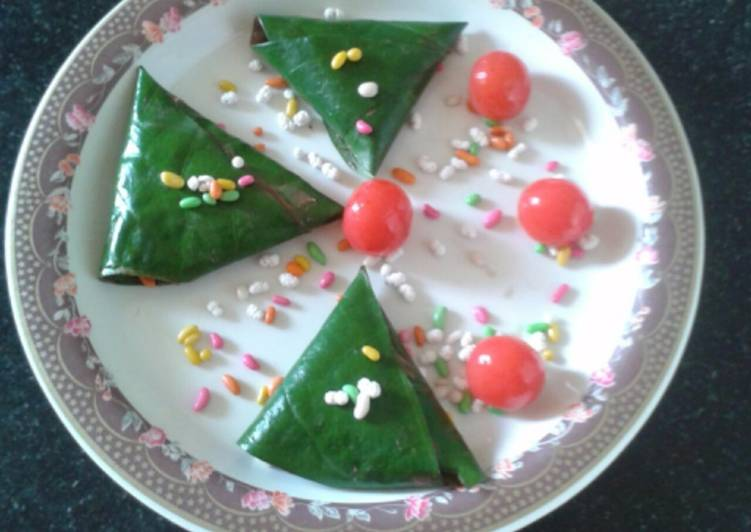 Steps to Prepare Perfect Chocolate filled paan / chocolate paan