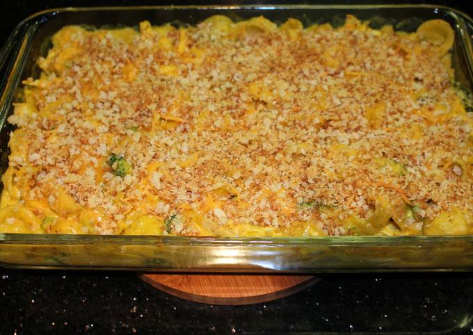 Baked Curry Mac and Cheese with Chicken and Broccoli