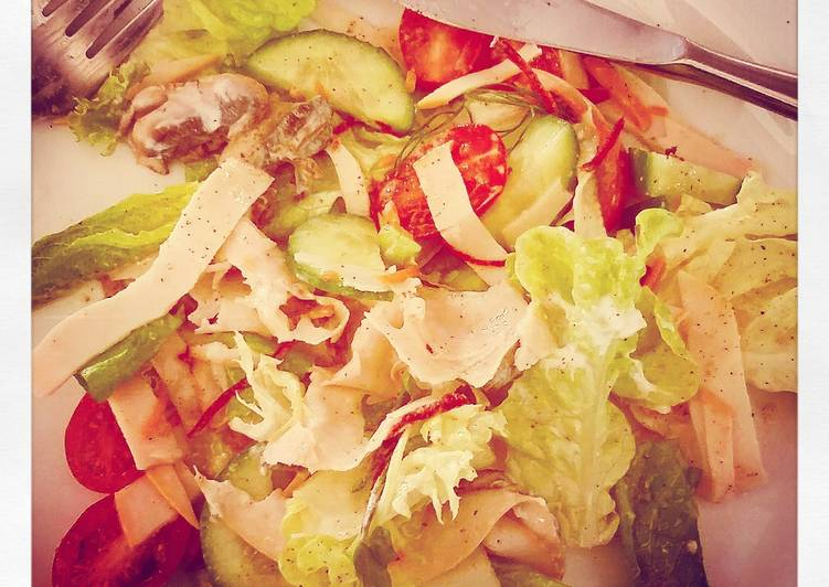 Ham and mushroom salad