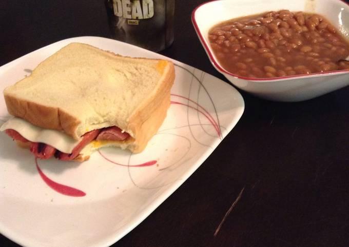 Hot Dog Sandwich Done My Wayyy