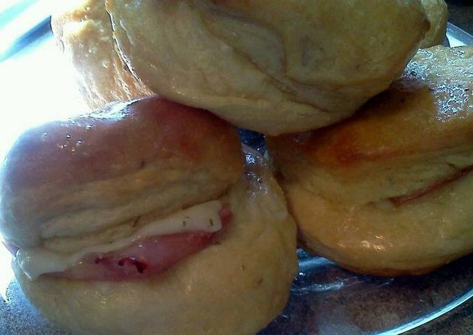 Easiest Way to Cook Appetizing Garlic Ham n Cheese Biscuits