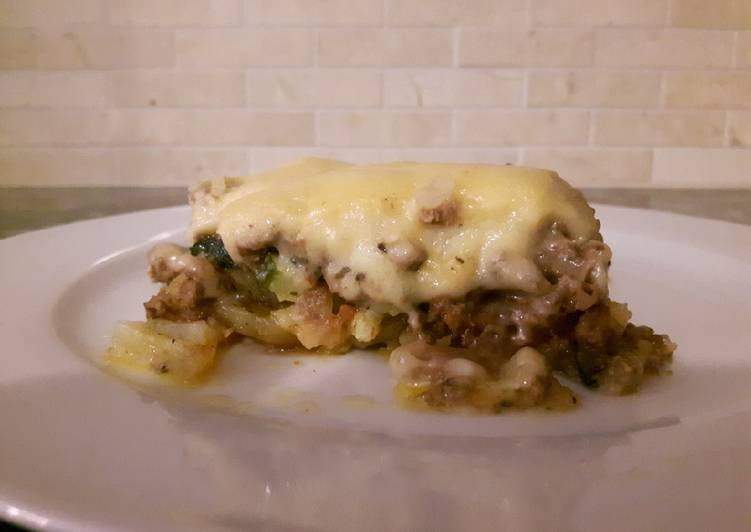 Recipe of Ultimate Creamy Beef and Potato Bake