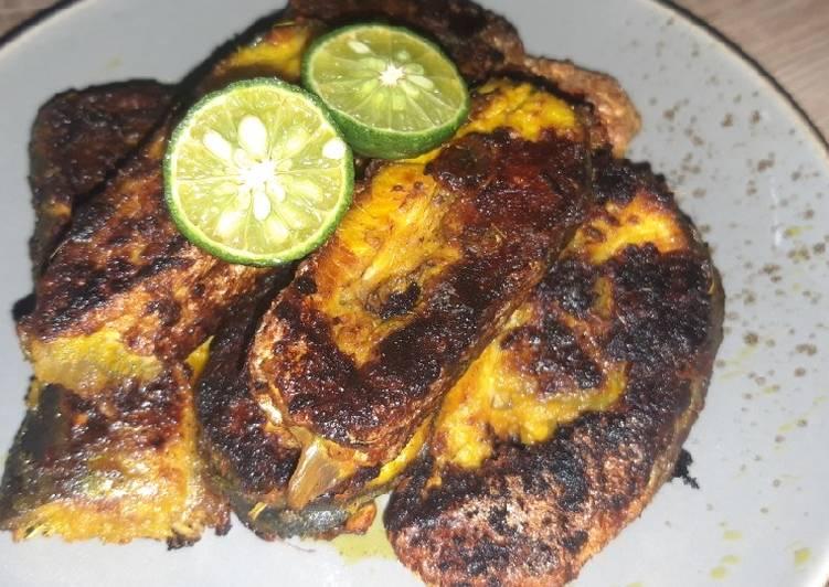 Ikan bakar bumbu kuning