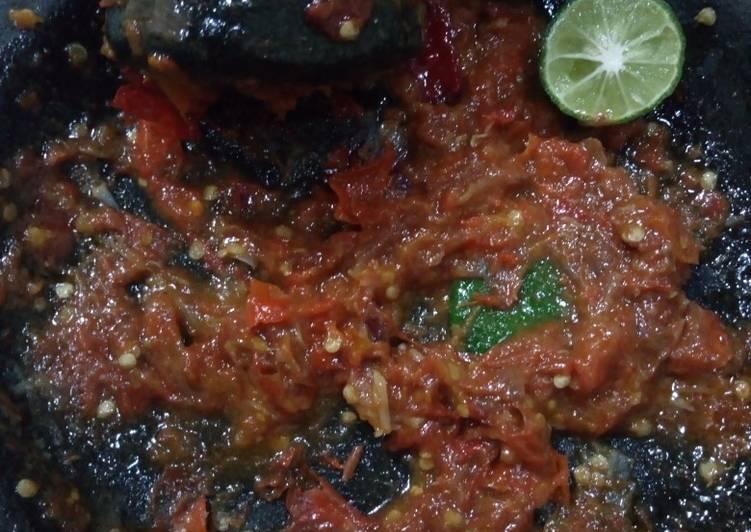 29. Sambal terasi tomat