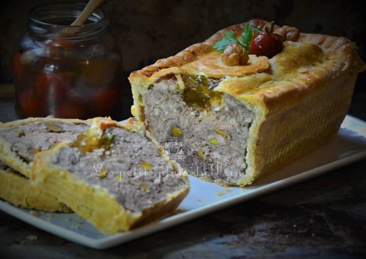 Pâté en croûte, foie gras et pistaches