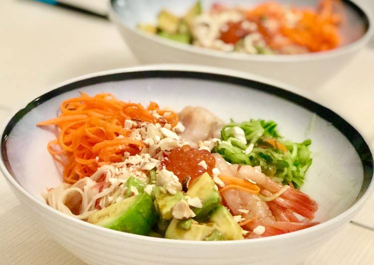Going Green for Good Health By Eating Superfoods Sashimi Poke Rice Bowl🍣🍚