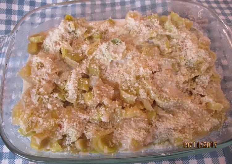 Easiest Way to Make Yummy Potato and leek pie