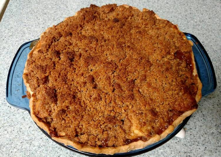 Curtis' Renowned Dutch Apple Pie