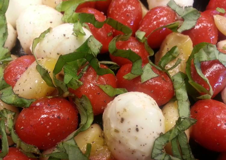 Garlic Caprese Salad