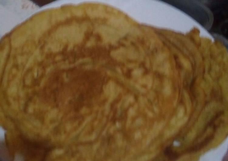 Cinnamon and pineapple pancakes