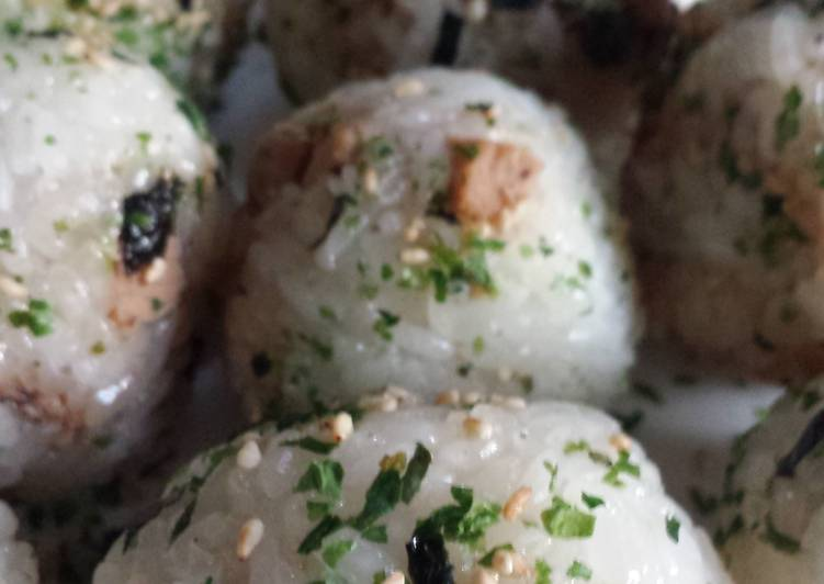 Quick vegetarian rice balls
