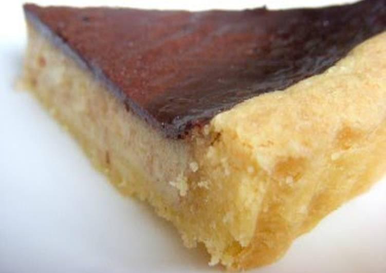Creamy Cocoa Meringue Banana Tart