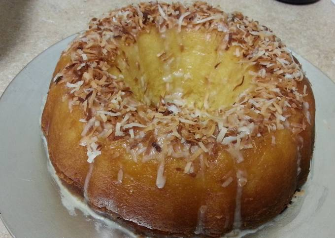 Island pineapple coconut rum cake
