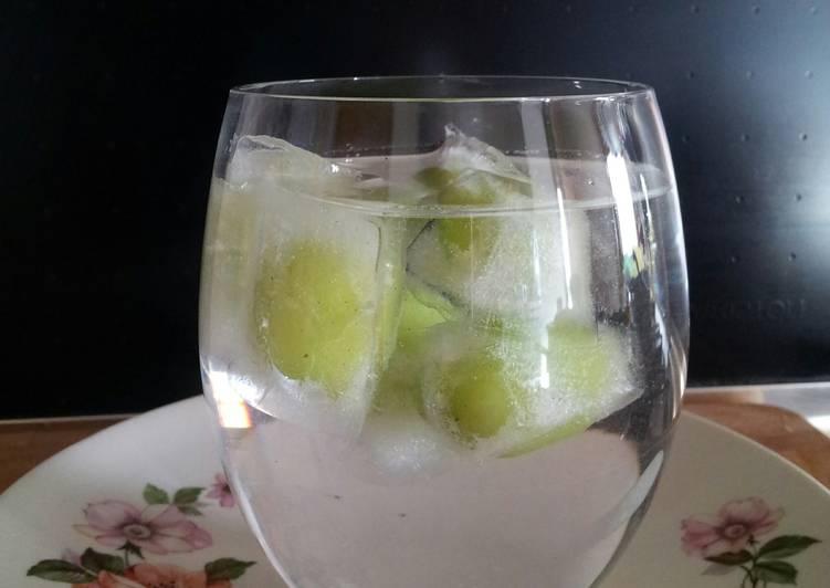 AMIEs Fruit (cherry) Ice Cubes