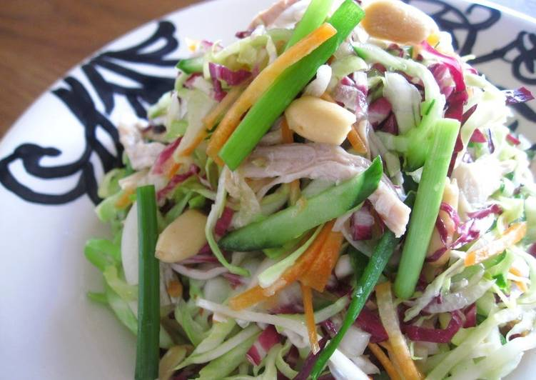 Simple Way to Make Most Popular Vietnamese-Style Chicken Salad with Heaps of Vegetables