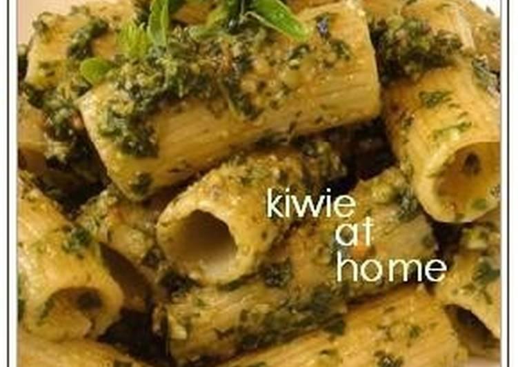 Rich Basil Pesto Pasta