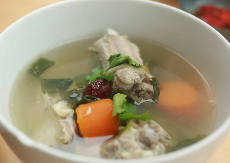 Chinese Celery with Pork Soup