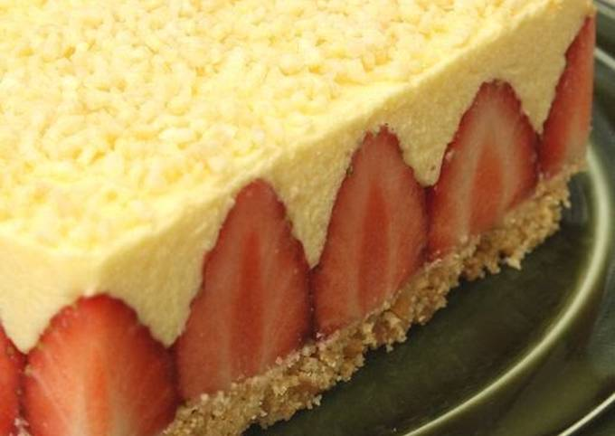 """Easiest Way to Make Tasty An Easy """"le Fraisier"""" Style Cake with Lots of Strawberries"""