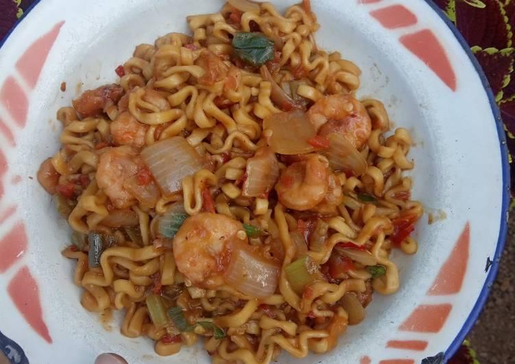 69. Mi goreng seafood