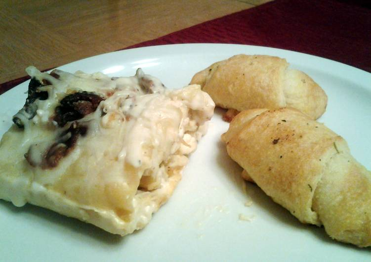 Chicken and bacon lasagna roll ups