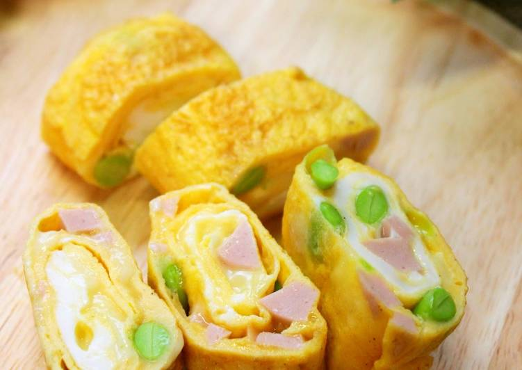 Simple Way to Prepare Perfect Omelette with Spring Colours
