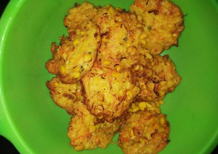 Cemilan Bakwan jagung wortel tauge