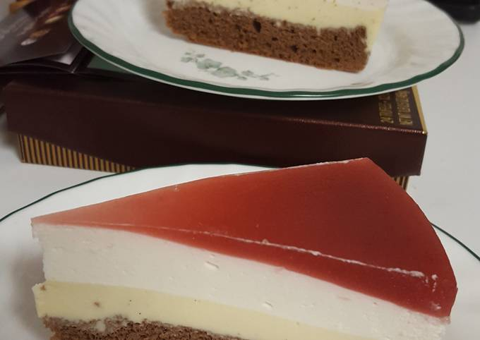 Summer pudding mousse cake