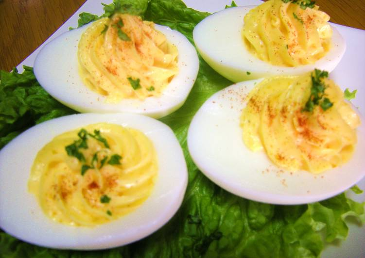 Steps to Make Speedy Deviled Eggs for Parties and Events