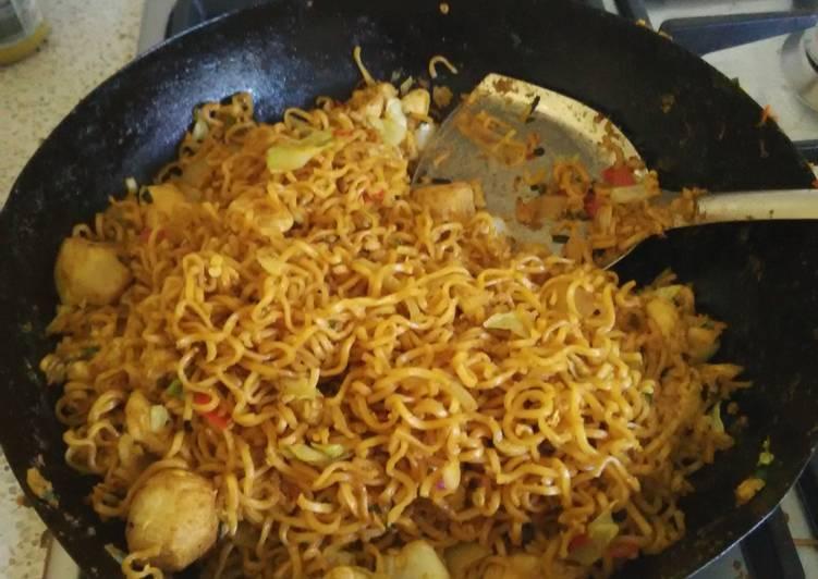 Recipe: Delicious Mie / Mee Goreng (Fried Noodle) Tek Tek