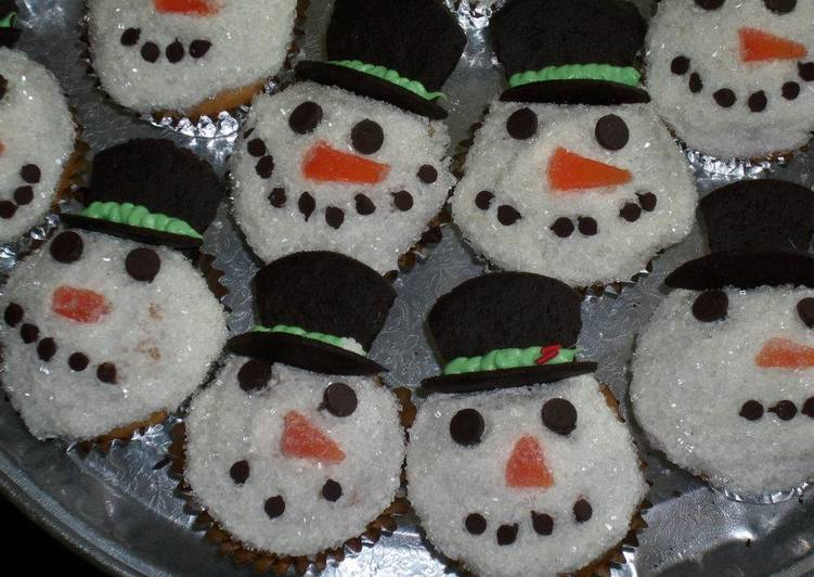 10 Minute How to Make Diet Perfect Festive Snowmen Cupcakes
