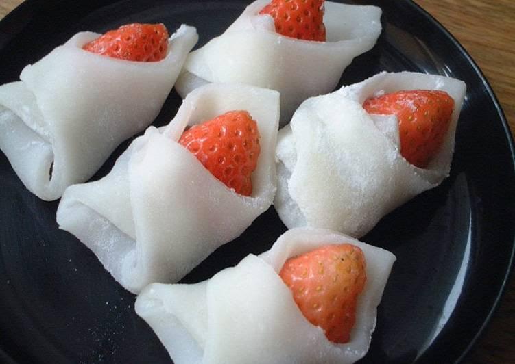 Recipe of Perfect Wrapped Ichigo Daifuku (Strawberry Dumplings) For Girls' Day Festival