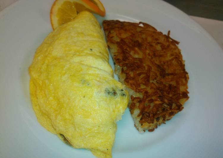 Mushrooms and onions omelette