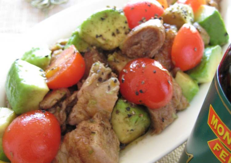 Chicken and Avocado Salad with Balsamic Vinegar Dressing