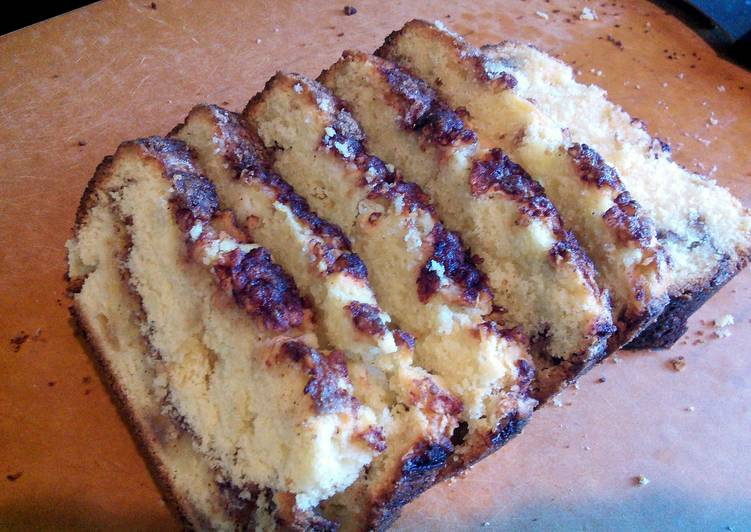 Easy Homemade Apple Cinnamon Cake Recipe