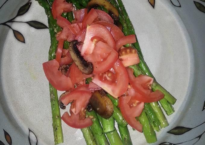 Simple Asparagus Salad