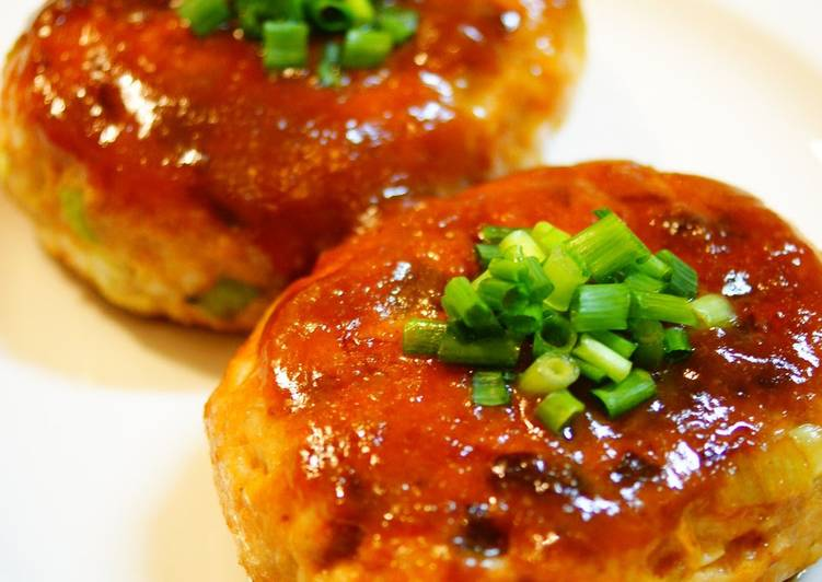Miso and Teriyaki Chicken Hamburger with Green Onion