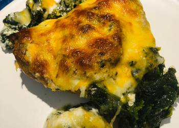 Easiest Way to Make Yummy Sour Cream Spinach Ranch Chicken Thighs
