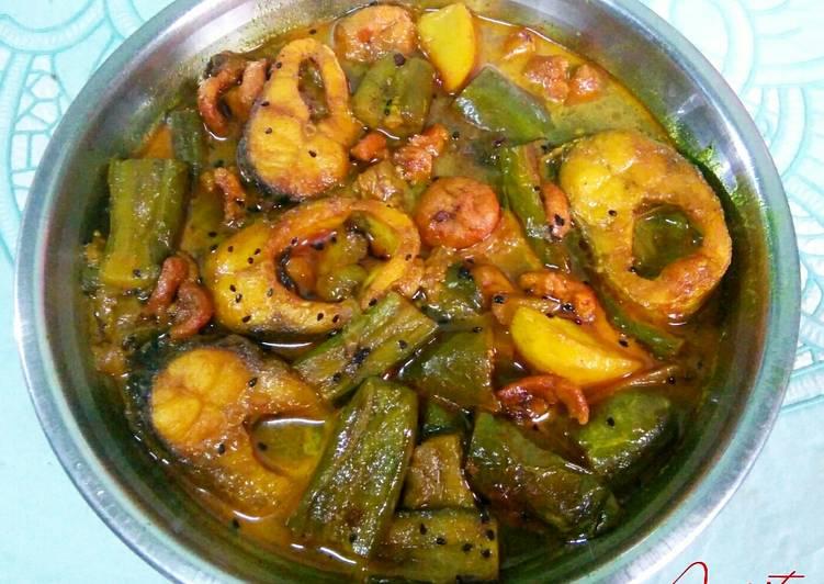 The Easiest and Tips for Beginner Bengali fish curry (Aloo Begun Bori diye macher jhol)