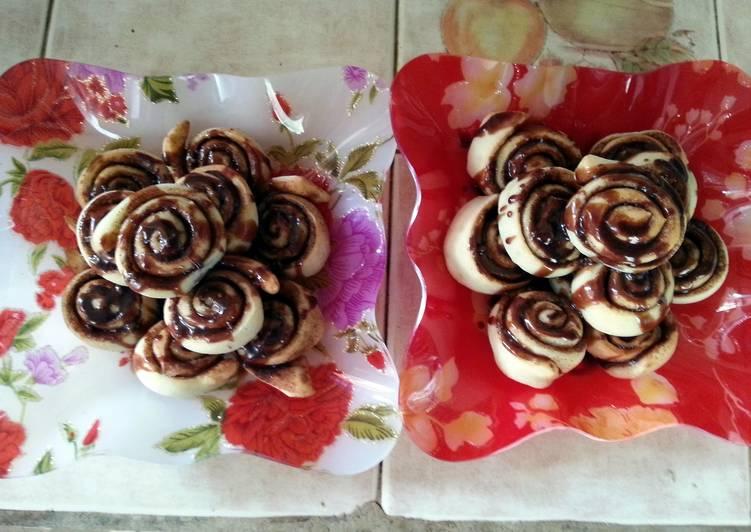Cinnabon rolls.