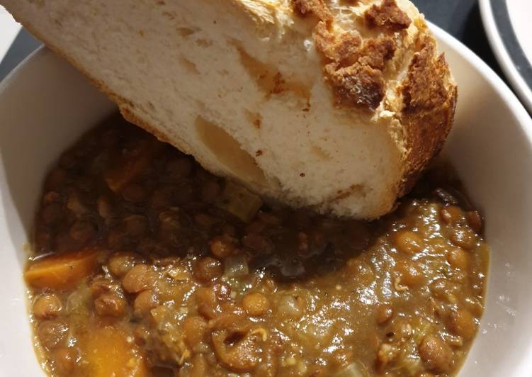 Lentil stew with crusty bread