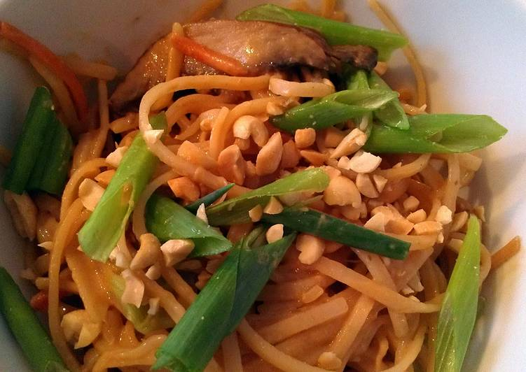 Easiest Way to Make Speedy rice noodles with spicy peanut sauce